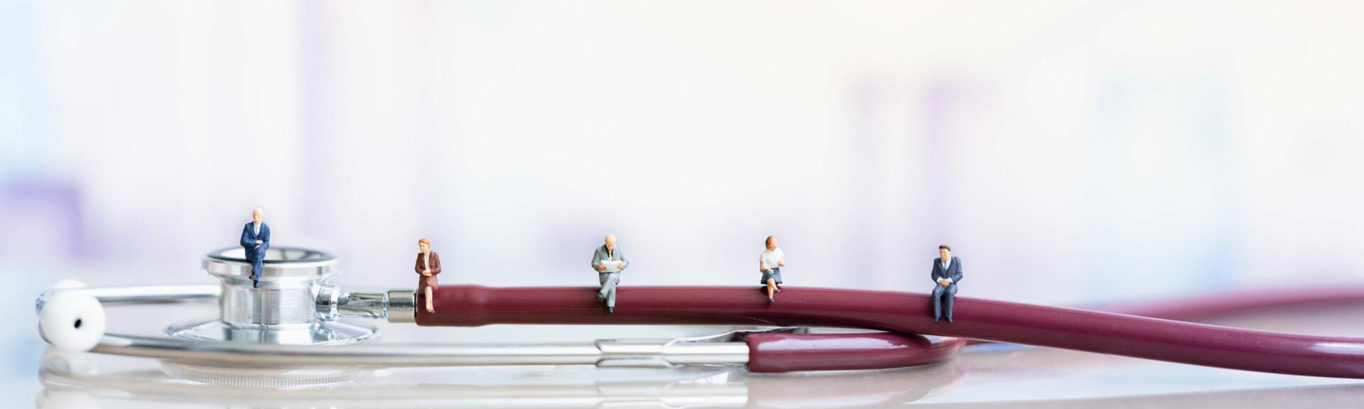 Stethoskop auf einem Tisch